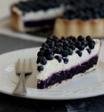 Pyragas su mėlynėmis ir varškės kremu