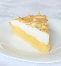 Amerikietiškas citrininis pyragas su morengo kepure