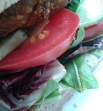 Veganiškas tofu burgeris