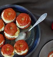 Varške įdaryti pomidorai