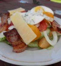 Šoninės ir bulvių salotos