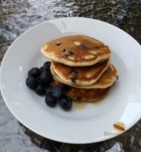 Pusryčių blynai su mėlynėmis