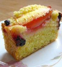 Nektarinų ir mėlynių pyragas