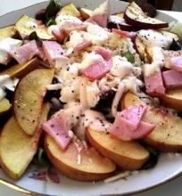 Persikų salotos