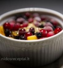 Keptas vaisių desertas