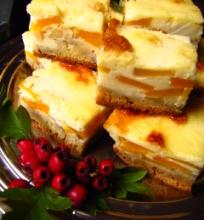 Obuolių – persikų pyragas