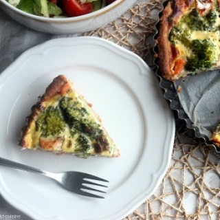 Lašišos ir brokolių pyragas
