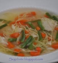 Vištienos sriuba su ankštinėmis pupelėmis