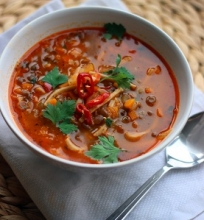 Žaliųjų lęšių sriuba su makaronais