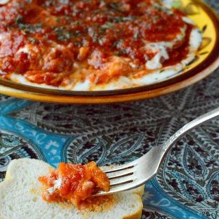Troškintų moliūgų ir pomidorų užkandis