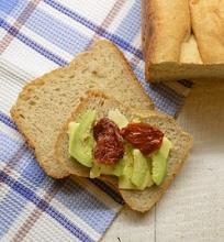 Duona su pastarnokais ir muskato riešutais