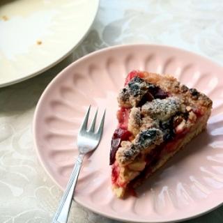 Slyvų ir obuolių pyragas