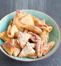 Trikampiai sausainiai su uogiene