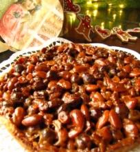 Riešutinis- karamelinis pyragas Kalėdoms