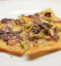 Pica su svogūnais ir ančiuviais