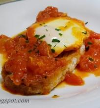pomidorų sriuba su virtais kiaušiniais
