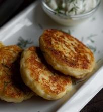 Trintų bulvių blynai su sūriu