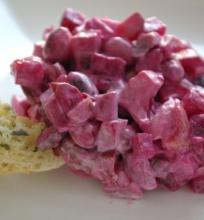 Burokėlių pupelių salotos