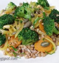 grikių salotos su brokoliais