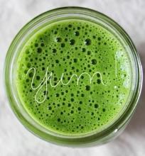 Žaliasis kokteilis pusryčiams, veganiškas, žaliavalgiškas