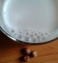 Lazdyno riešutų pienas