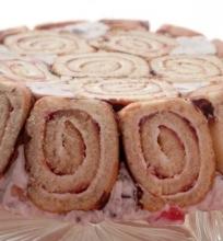 Varškinis vyniotinio tortas