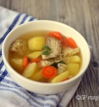 Vištienos buljono sriuba