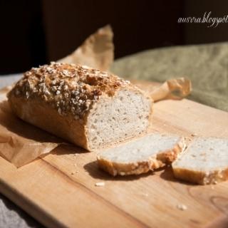 Avižinė duona su obuoliais