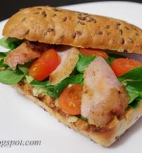 sumuštinis su avokadu ir vištiena