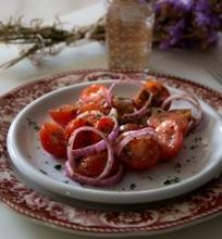 Pomidorų salotos su garstyčiomis