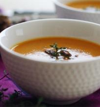 Saldžiųjų bulvių sriuba