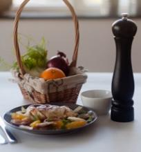 Vištienos salotos su apelsinais ir pankoliu