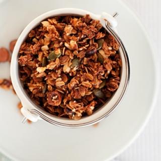 Žemės riešutų sviesto granola