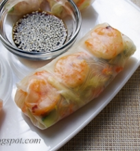 spring rolls su krevetėmis