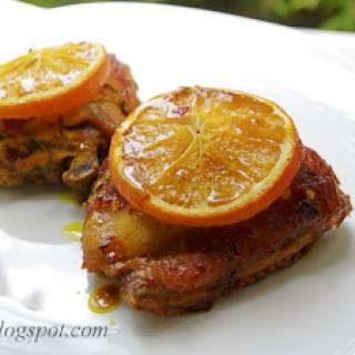 aromatinga vištiena su apelsinais