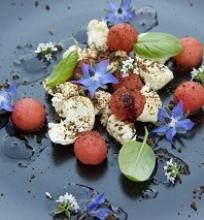 Mozzarllos ir arbūzų užkandis