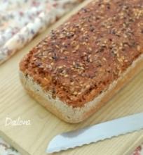 Duona su grūdais