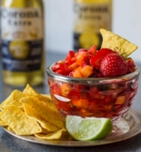 Braškių ir mango salsa