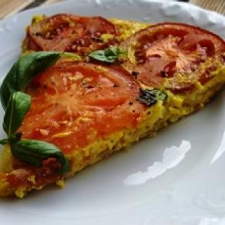 Orkaitėje keptas omletas su pomidorais