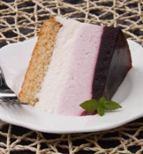 Juodųjų serbentų Ombre tortas