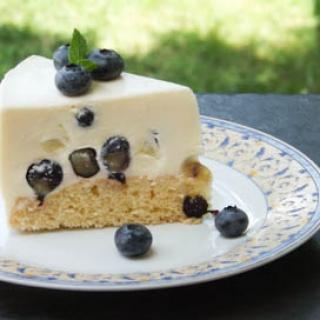 Jogurtinis mėlynių tortas