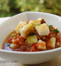 šalta pomidorų sriuba (gazpacho)