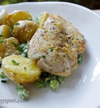 kepta vištiena su bulvių salotomis