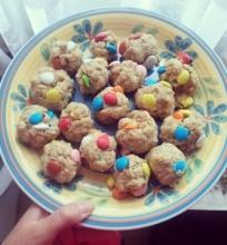 Avižiniai sausainiai su saldainiukais