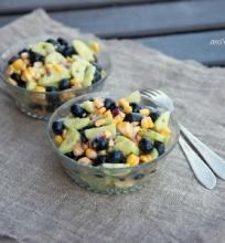 Kukurūzų – šilauogių salotos