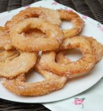 Obuolių žiedai su cinamonu