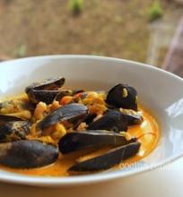 Midijų sriuba su krevetėmis