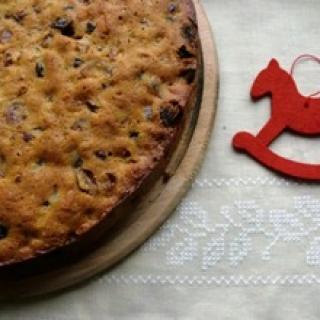 Kalėdinis brandinamas džiovintų vaisių pyragas