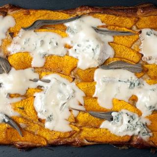 Moliūgo pyragas (tarta) su gorgonzola sūriu