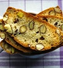 Vaniliniai biskočiai su migdolais ir pistacijomis